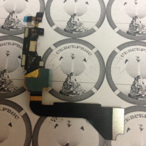 Шлейф для iPhone 4 + разьем зарядки (черный), Original